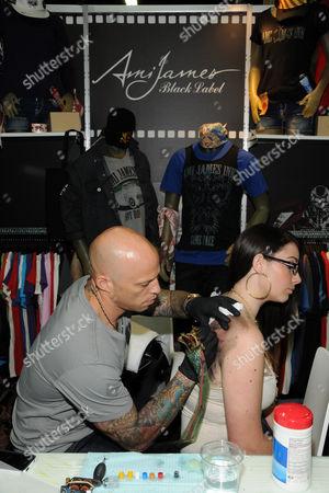 Ami James and customer Ashlyn Crone