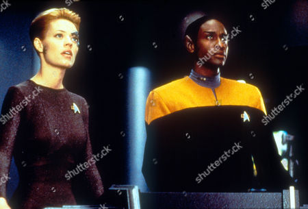 Star Trek: Voyager ,  Jeri Ryan,  Tim Russ