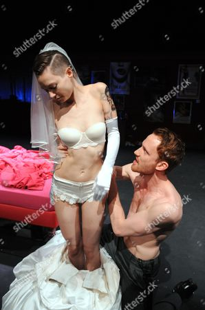 Stock Image of ''Tis Pity She's a Whore' - Lydia Wilson as Annabella and Jack Hawkins as Soranzo
