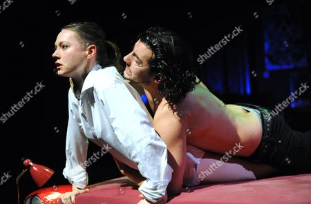 Stock Image of ''Tis Pity She's a Whore' - Lydia Wilson as Annabella and Jack Gordon as Giovanni