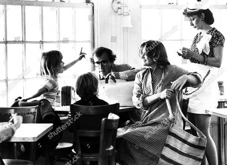 Stardust Memories,  Woody Allen,  Marie-christine Barrault