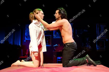 'Tis Pity She's a Whore' - Lydia Wilson (as Annabella) and Jack Gordon (as Giovanni).