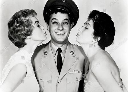 The Perfect Furlough (Strictly For Pleasure),  Janet Leigh,  Tony Curtis,  Linda Cristal