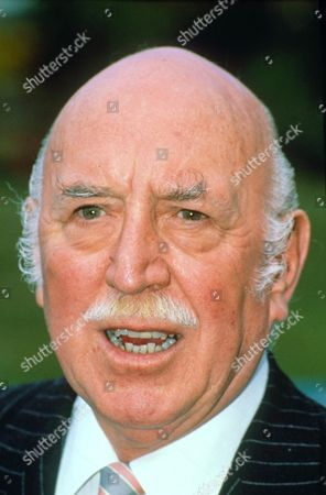 LIONEL JEFFRIES AT THAMES TV PARTY
