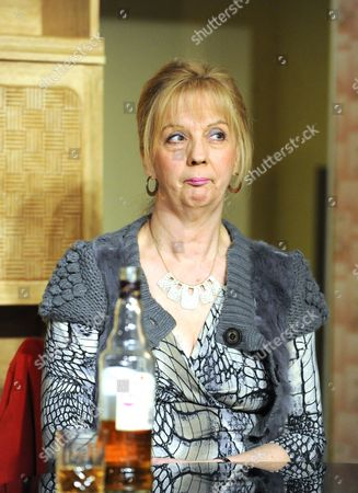 Ruth Sheen as Maureen