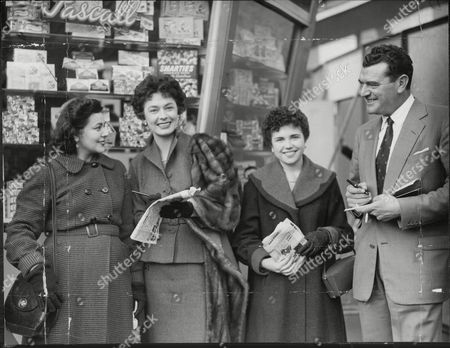Ruth Roman And Jack Hawkins With Florence Hunter And Pauline Jarmyn At Week End Mail Gala Festival In Battersea Park