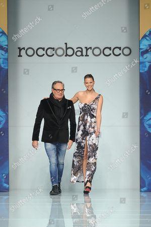 Rocco  Barocco and Ivana Mrazova on the catwalk.
