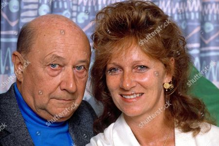 DONALD PLEASENCE WITH HIS WIFE