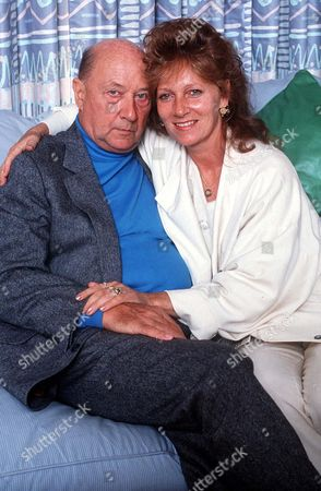 DONALD PLEASENCE AND WIFE LINDA WOOLLEN