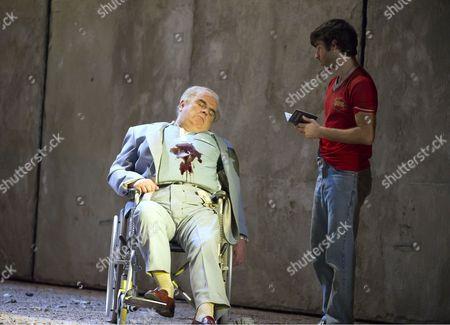 'The Death of Klinghoffer' - Alan Opie as Leon Klinghoffer, Jesse Kovarsky as Omar,