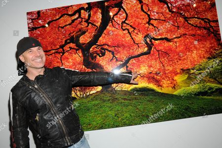 Peter Lik and his 'Tree of Life' photograph