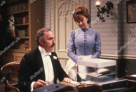 Nigel Hawthorne as The Hon. Vere Queckett and Jane Carr as Peggy Hesselrigge