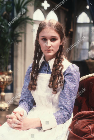Rebecca Saire as Dinah