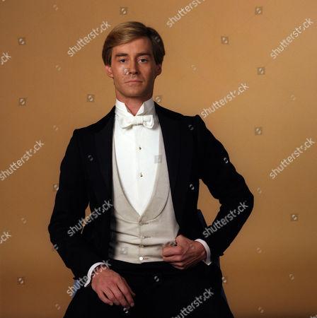 Rupert Frazer as Lieut. Jack Mallory