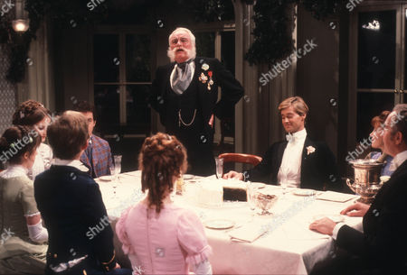 Charles Gray as Rear Admiral Archibald Rankling and Rupert Frazer as Lieut. Jack Mallory