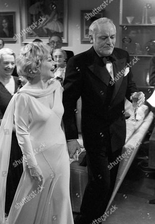 Glynis Johns and Charles Gray