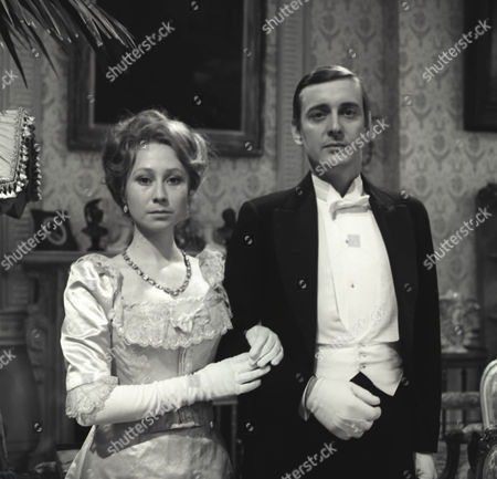 Felicity Kendal as Dolly and Guy Slater as Earl of Mickleham