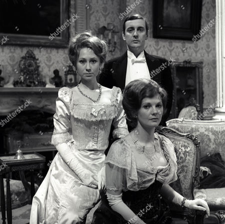 Felicity Kendal as Dolly, Guy Slater as Earl of Mickleham and Debbie Bowen as Cousin Phyllis