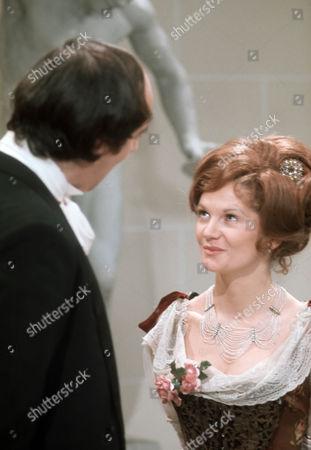 Debbie Bowen as Cousin Phyllis