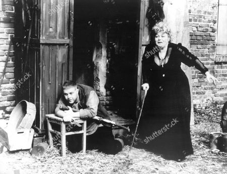 The Magician Of Lublin,  Zachi Noy,  Shelley Winters