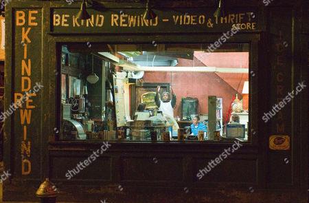 Be Kind Rewind - 004
