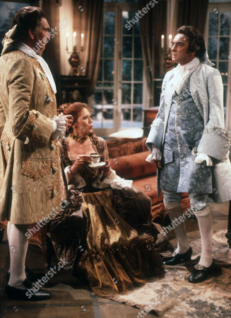 James Villiers as Esteban, Diana Rigg as Eloise and Richard Johnson as Raoul