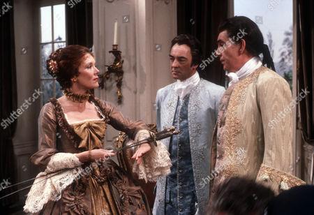 Diana Rigg as Eloise, Richard Johnson as Raoul and James Villiers as Esteban