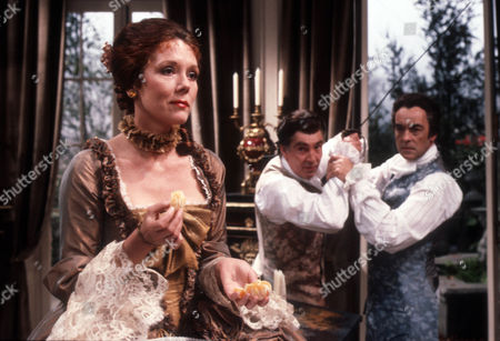 Diana Rigg as Eloise, James Villiers as Esteban and Richard Johnson as Raoul