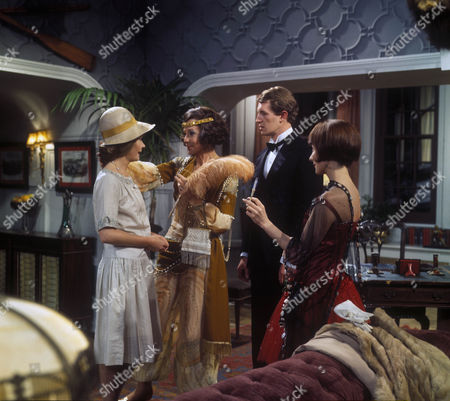 Ann Bell as Margot Tatham, Judy Campbell as Lady Frinton, Corin Redgrave as Willie Tatham and Amanda Reiss as Kitty Lake