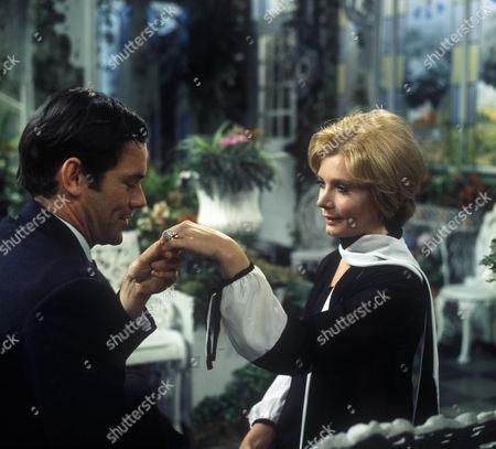David Warbeck as John Willocks and Ann Bell as Margot Tatham