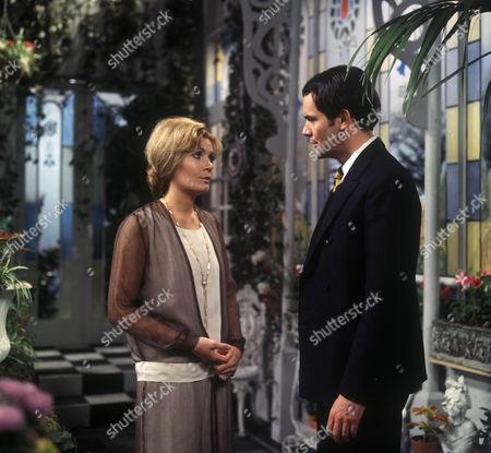 Ann Bell as Margot Tatham and David Warbeck as John Willocks