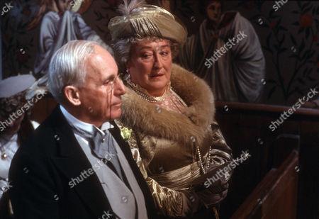 John Woodnutt as Sir Watkyn Bassett and Elizabeth Spriggs as Aunt Agatha