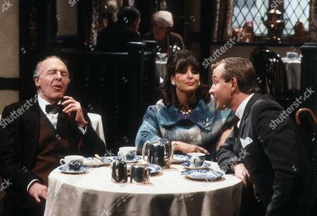 John Horsley as the astrologer, Diane Keen as Daisy Jackson and Geoffrey Burridge as Joe Prince
