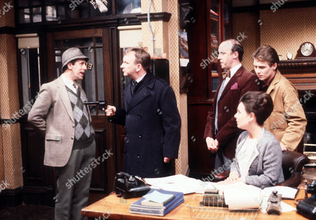 Milton Johns as Ben Marsh, Sam Kelly as Hinchcliffe, Alan David as Tancred Taylour, Diane Keen as Daisy Jackson and Steven Pinder as Owen Buckley
