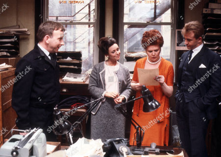 Sam Kelly as Hinchcliffe, Diane Keen as Daisy Jackson, Sandra Gough as Rene Watson and Geoffrey Burridge as Joe Prince