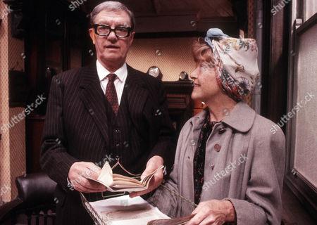 Tom Mennard as Acorn Henshaw and Dora Bryan as Ada Breeze
