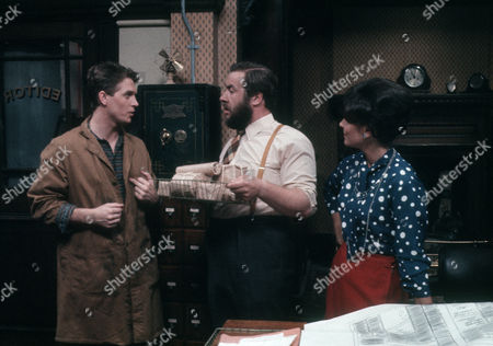 Steven Pinder as Owen Buckley, Gregor Fisher as Hector Rose and Diane Keen as Daisy Jackson