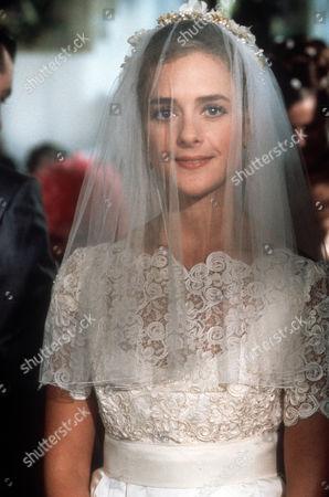 Juliette Gruber as Jo Rowan nee Weston