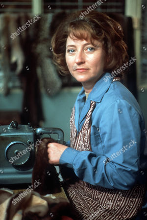Tracey Wilkinson as Molly Ainsworth