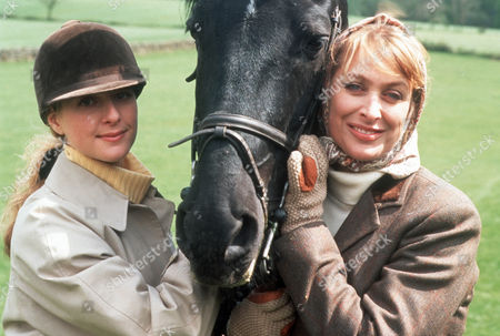 Juliette Gruber as Jo Weston and Carol Royle as Lady Patricia Brewster