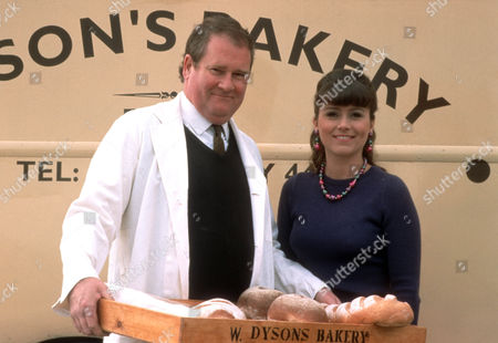 Stock Image of Andy Rashleigh as Cliff Dyson and Tricia Penrose as Gina Ward