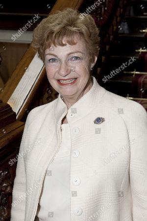 Ruth Leon