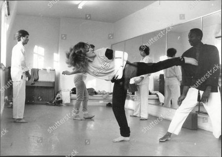 Sara Barrett Journalist In Action With Self Defence Instructor Tyrone White 1983.