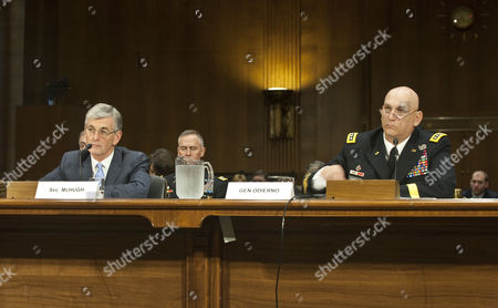 Secretary of the U.S. Army John M. McHugh and the Chief of Staff of the U.S. Army, General Raymond T. Odierno