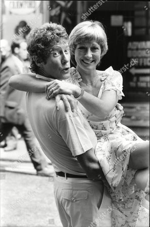 Actor Michael Crawford And Actress Lisa Westcott Who Appear In Barnum In West End