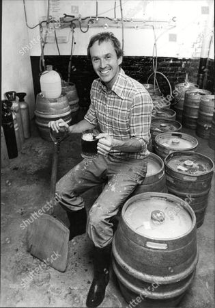 David Bruce Landlord Of The Goose And Firkin Pub In Borough Road Southwark London. Mr Bruce Brews His Own Beer 'bruce's Bitter' On The Premises And Sells 1 500 Pints A Week.