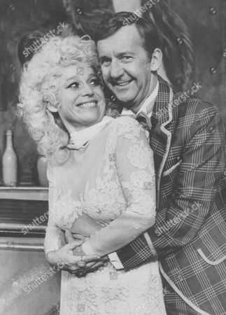 Barbara Windsor And Norman Vaughan Appearing Together In 'calamity Jane'