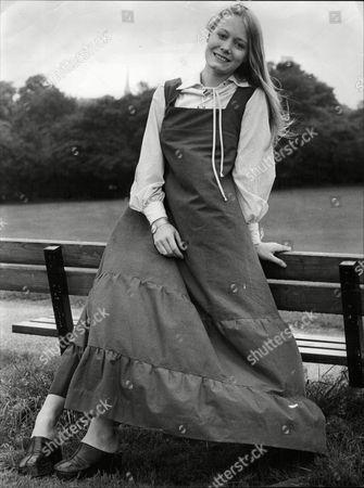 Jane Wyamrk Daughter Of Actor Patrick Wymark 1973.