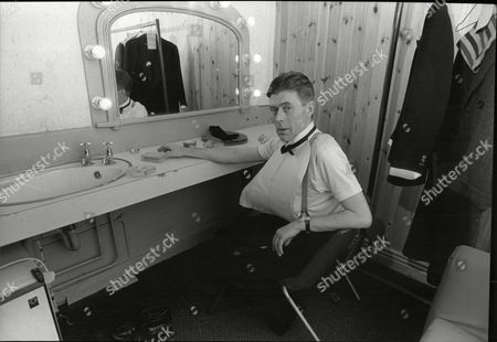 Mike Yarwood Impersonator In Changing Room At Theatre Royal Lincoln 1988.