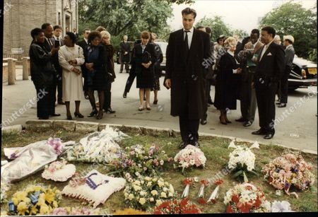 Phillip George Tutton Husband Of Jazz Singer Bertice Reading Here At Her Funeral 1991.
